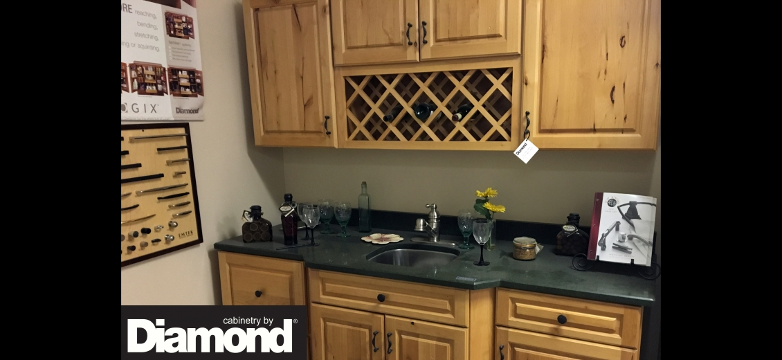 Diamond Distinction kitchen display at Newark HEP Sales/North Main Lumber, 6592 Route 31 East